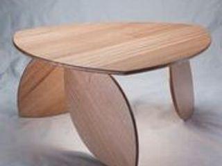 Leaning Leaf Table. Duncan Meerding ГостинаяДиваны и журнальные столики