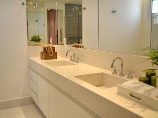 Helô Marques Associados Casas de banho minimalistas
