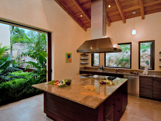 BR ARQUITECTOS Tropische keukens