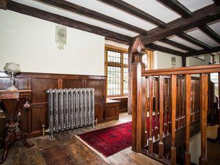 Rhiannon's House Nutshell Construction Couloir, entrée, escaliers ruraux