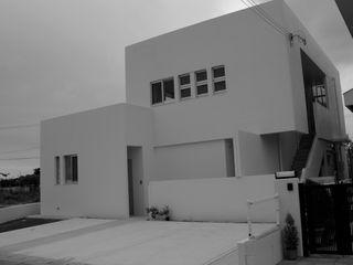 アアキ前田 株式会社 Casas modernas