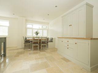 soft pastel classic Chalkhouse Interiors Klasyczna kuchnia