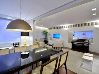 Stúdio Márcio Verza Modern dining room