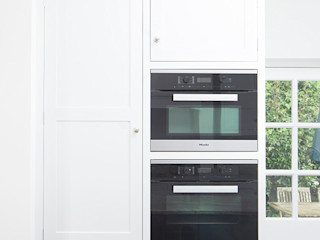 50 shades of grey Chalkhouse Interiors Klasyczna kuchnia