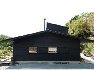 宇佐美建築設計室 Casas de estilo clásico