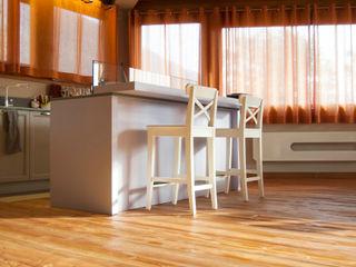 RI-NOVO Rustic style kitchen