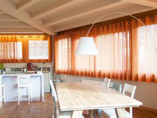 RI-NOVO Rustic style dining room