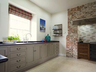 The Great Lodge   Large Grey Painted Kitchen with Exposed Brickwork Humphrey Munson Landelijke keukens