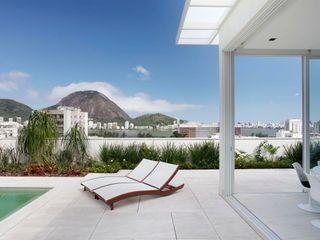 andre piva arquitetura Moderner Balkon, Veranda & Terrasse