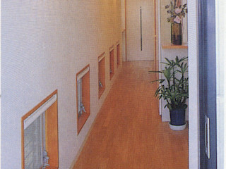 加藤將己/将建築設計事務所 Коридор, коридор і сходиВисувні ящики та полиці