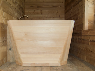 RI-NOVO Rustic style bathroom