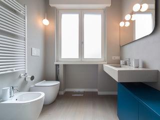 ristrutturami Minimalist style bathroom
