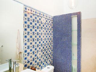 Taller Estilo Arquitectura Eclectic style bathroom