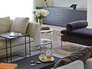 Highwood, Berkshire Concept Interior Design & Decoration Ltd 客廳沙發與扶手椅