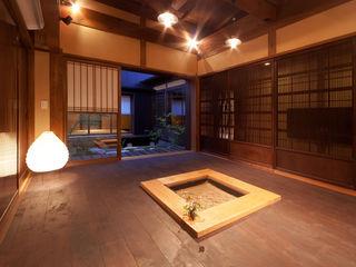 有限会社 TEAMWORKS Salas de estilo asiático