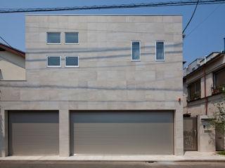 k邸 光庭を回遊し家族の気配が感じられる家 依田英和建築設計舎 モダンな 家