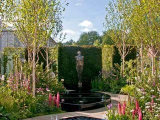 RHS CHELSEA 2015 - BEST FRESH GARDEN - PEOPLE'S CHOICE AWARD Ruth Willmott Classic style garden