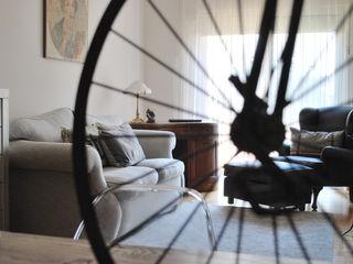Vicente Galve Studio Ruang Keluarga Gaya Industrial