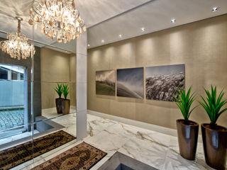 Espaço do Traço arquitetura Modern Corridor, Hallway and Staircase