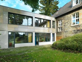 """""""Goldstück"""" - Kindergarten in Wuppertal, Energetische Sanierung einer Kindertagesstätte insa4 ingenieure sachverständige architekten Moderne Schulen"""