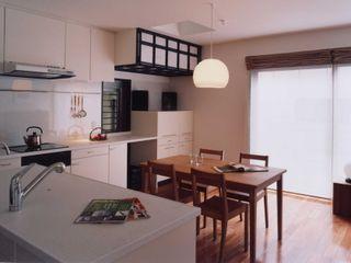 有限会社加々美明建築設計室 餐廳 麻/黃麻 White