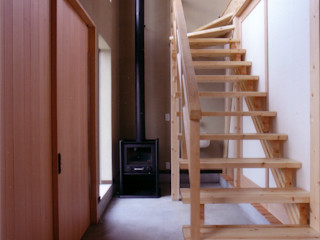 豊田空間デザイン室 一級建築士事務所 Eklektyczny korytarz, przedpokój i schody Drewno O efekcie drewna