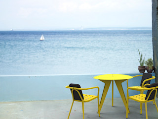 A table ! Vue Jardin JardinMeubles Fer / Acier Jaune