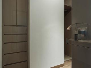 HO arquitectura de interiores Modern Dressing Room