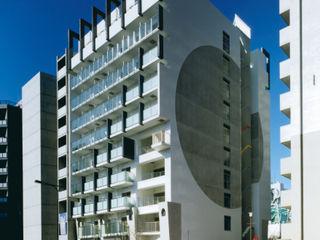 あお建築設計 Moderne huizen Tegels Wit
