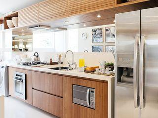 SESSO & DALANEZI Modern kitchen