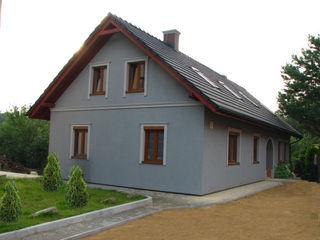 in2home Rumah Gaya Eklektik Grey