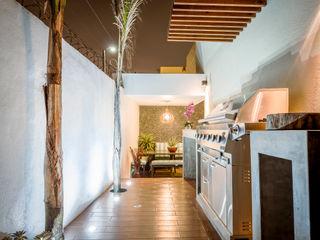 SZTUKA Laboratorio Creativo de Arquitectura Modern corridor, hallway & stairs