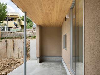 市原忍建築設計事務所 / Shinobu Ichihara Architects Patios & Decks Solid Wood Beige