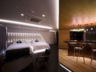 Lounge_17 Seungmo Lim 모던스타일 거실 우드 갈색