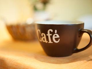 Tischdekoration raumessenz homestaging KücheBesteck, Geschirr und Gläser