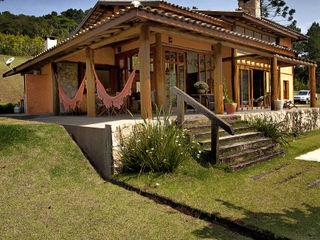 Bianka Mugnatto Design de Interiores ラスティックな 家