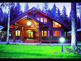 D&T Architects Casas de estilo rural