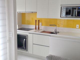 Adriana Fiali e Rose Corsini - FICODesign Modern style kitchen Yellow