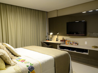 Giovana Martins Arquitetura & Interiores Modern style bedroom Amber/Gold