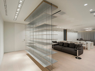TENTER Arquitectura y Diseño Modern Corridor, Hallway and Staircase Wood White