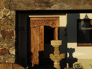 GALERIA JUNOR ARQUITECTOS Casas modernas: Ideas, imágenes y decoración
