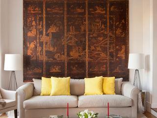 LAVRADIO DESIGN Ruang Keluarga Klasik