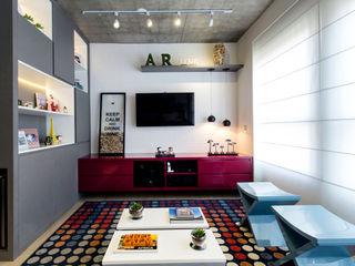 Adriana Pierantoni Arquitetura & Design Salas de entretenimiento de estilo moderno