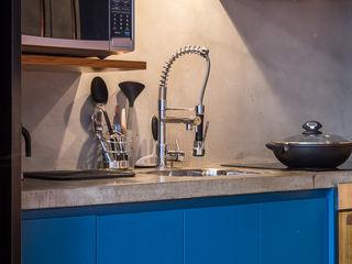 Casa100 Arquitetura Modern kitchen