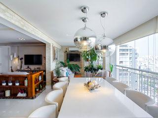 Adriana Pierantoni Arquitetura & Design Balcones y terrazas de estilo ecléctico