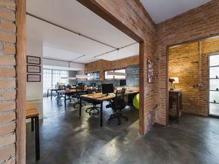 Casa100 Arquitetura Ruang Komersial Gaya Industrial