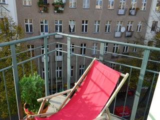 Mighty Vintage Eclectic style balcony, veranda & terrace