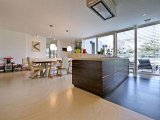 Bodengestaltung Privathaus IBOD Wand & Boden Moderne Wohnzimmer