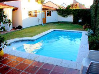 Piscinas familiares Piscinas Scualo Moderne Pools