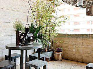 Gavetão- Decoração de Interiores Balkon, Beranda & Teras Gaya Rustic